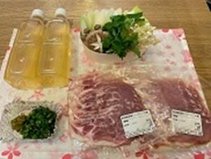 テーブルの上にある肉と野菜</p><br /> <p>低い精度で自動的に生成された説明